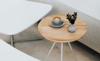 Flexwerkwerken in een koffietentje in de Arnhemse horeca